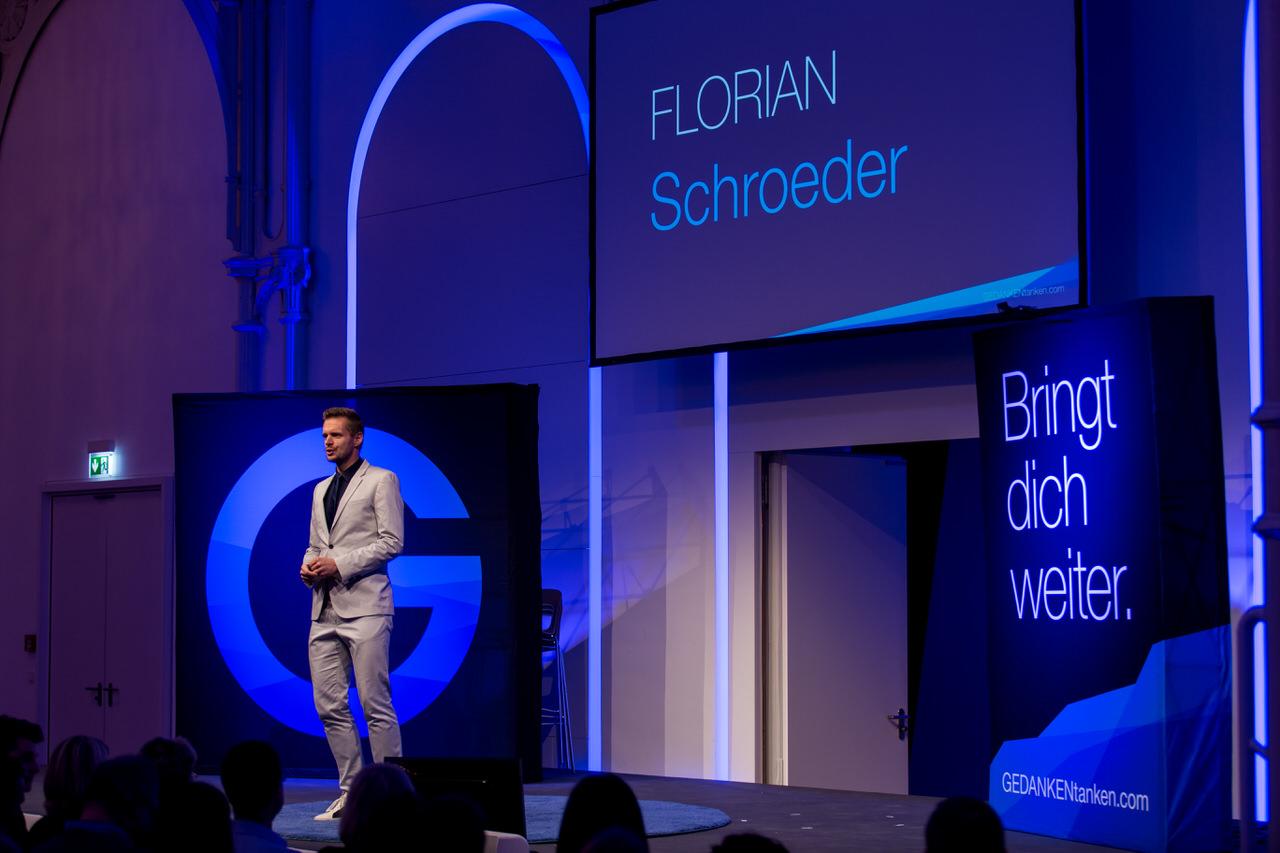 Florian Schroeder auf Bühne Flora Köln